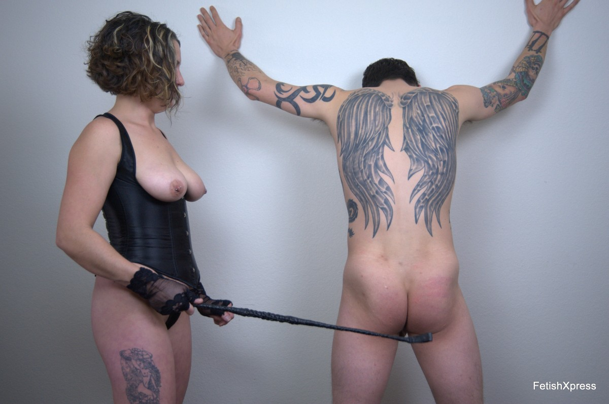 LEIA's First FemDom Experience with TUFFY